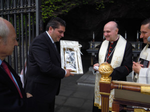 giovanni paolo II premiazione_comastri