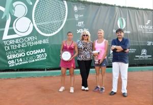 finaliste con familiari Cosmai
