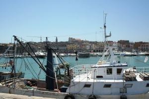 Il Porto di Bisceglie visto dal Molo Borbonico